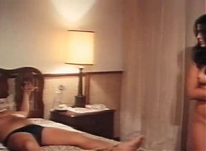 Maria Conchita Alonso - Savana, sesso e diamanti (1978)