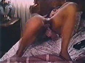 TAMARA LONGLEY FUCKS HER PUSSY-1984